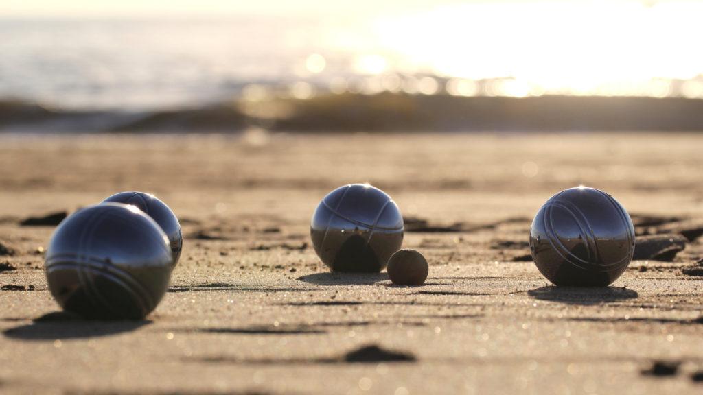 Pétanque à la plage