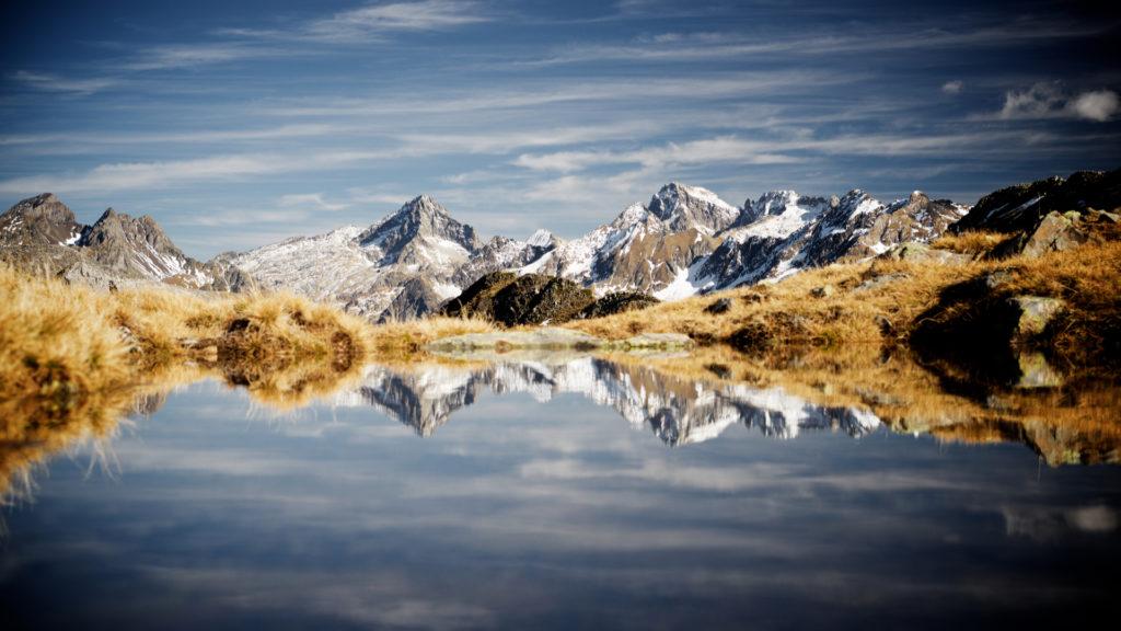 Lac dans la Vallée d'Ossau