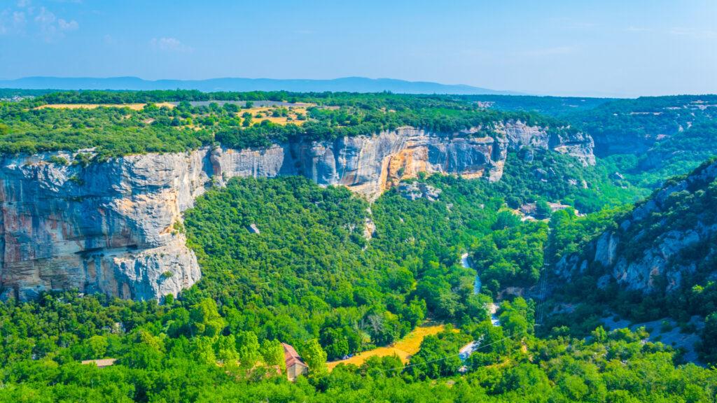 La provençale falaise de Buoux