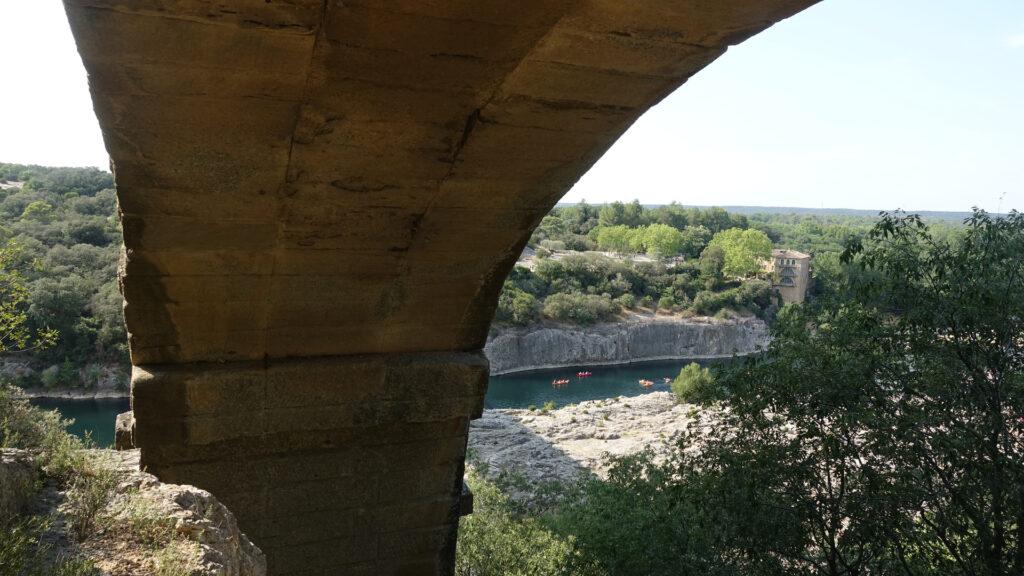 Canoë au pied du Pont du Gard
