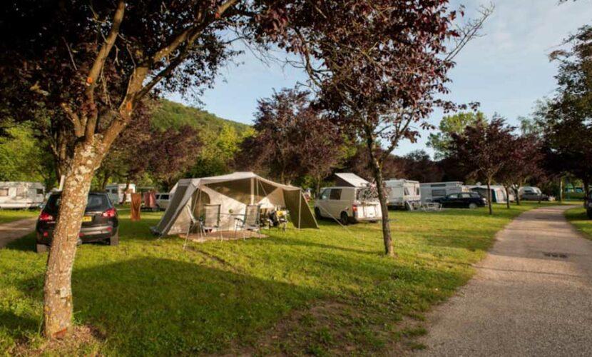 Differents emplacements au camping de la moselle
