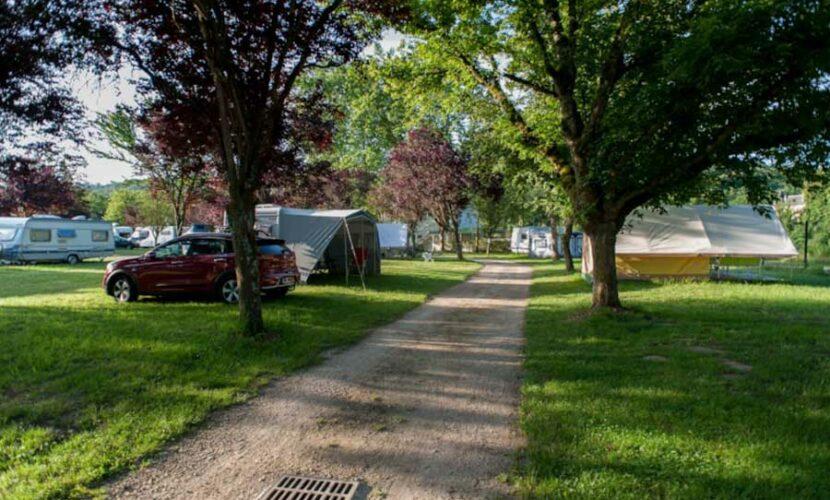Emplacements au camping de la moselle