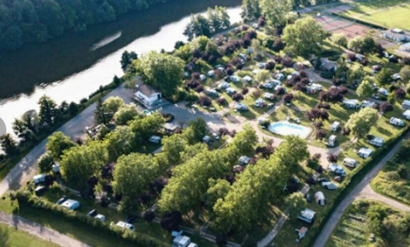 Vue aerienne du camping de la moselle