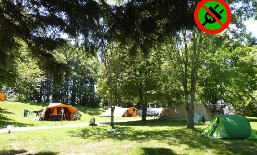 Emplacements sans électricité au camping le plo