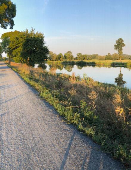 Le canal de Nantes à Brest et son chemin de halage