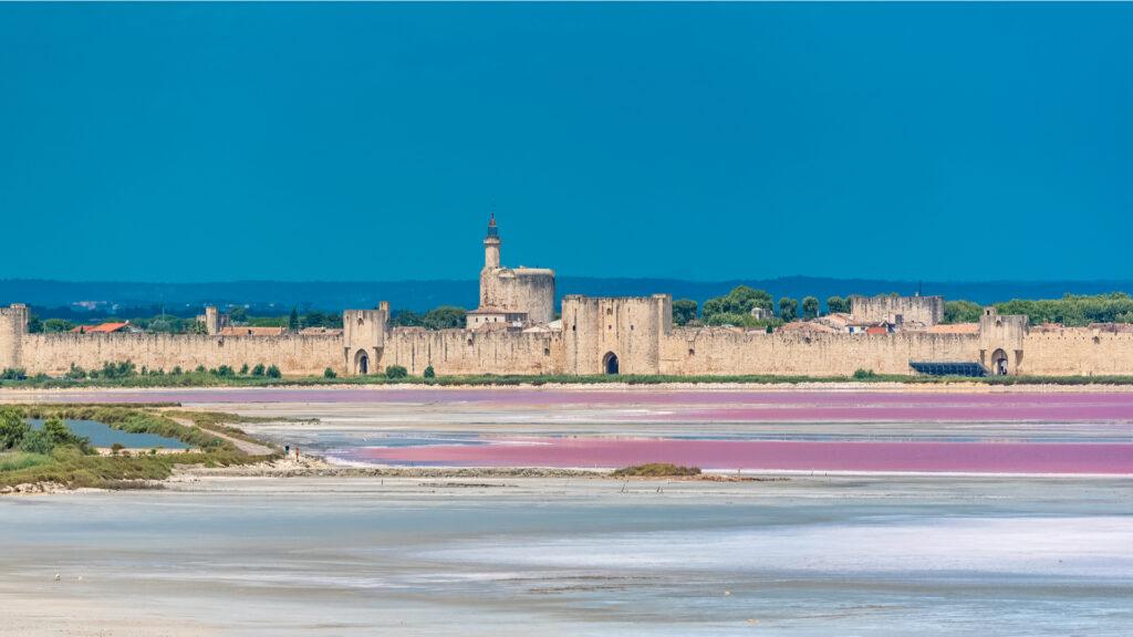 Aigues-Mortes, l'un des incontournables sites en Occitanie