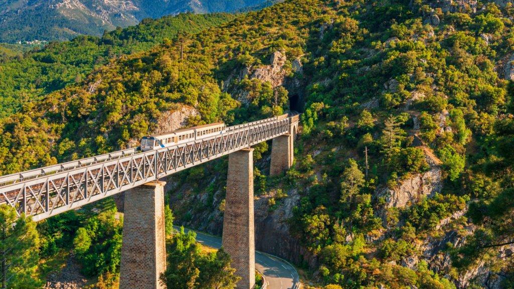 Pont Eiffel traversant le Vecchio en Corse