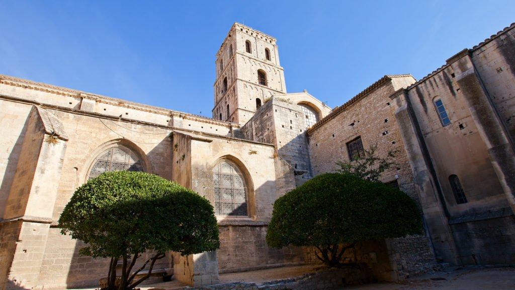Cathédrale Saint-Trophime à Arles