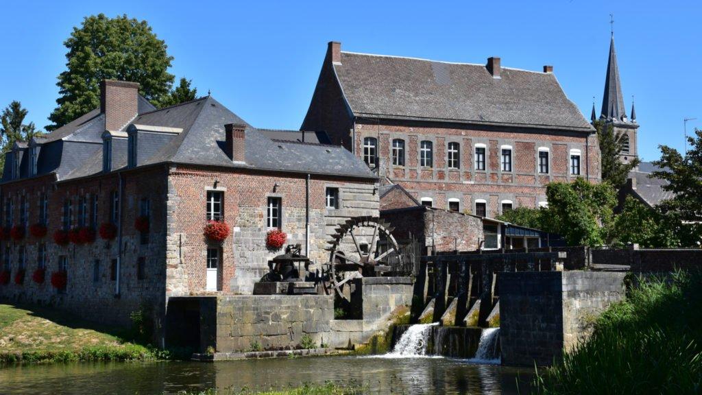 Église et moulin de Maroilles