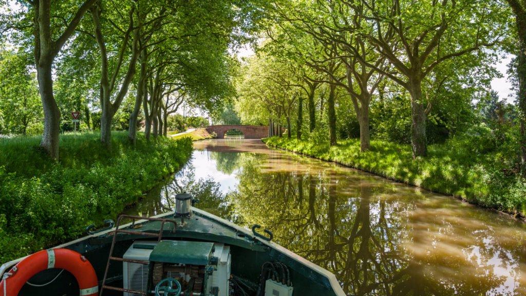 Le canal du Midi est le plus connu des canaux de France