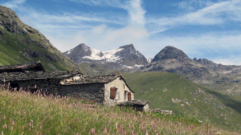 Bergerie traditionnelle au coeur des Alpes