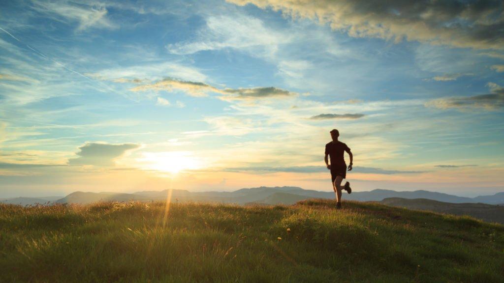 Courir dans l'une des stations de trail