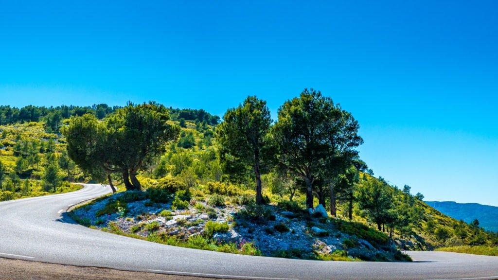 Road-trip à moto sur la route des Crêtes de Cassis