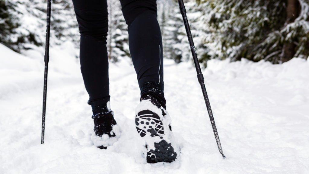 Bien s'équiper pour la marche en hiver